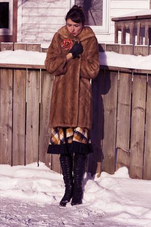 mustard Vintage from chicshopca skirt - black Aldo boots