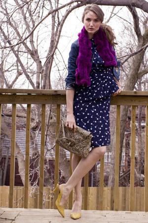 mustard Nine West shoes - navy vintage dress - maroon danier leather scarf