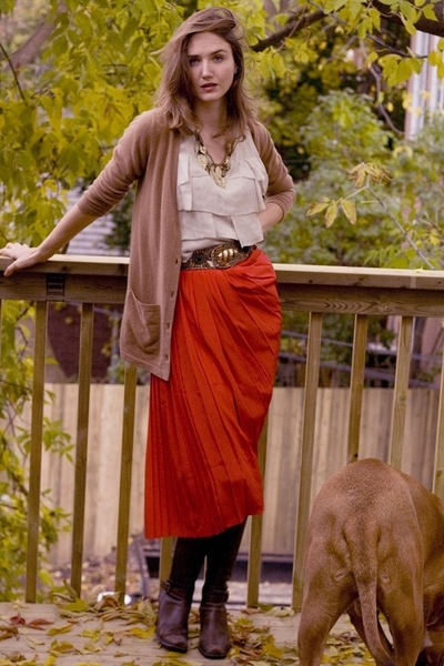 red vintage skirt - brown Aldo boots - beige veromoda top - brown Baia Blue Labe
