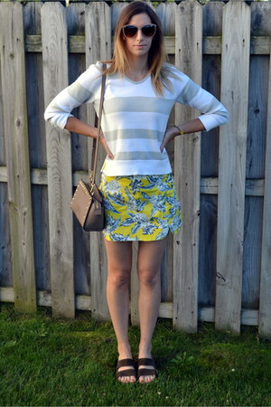Gap sweater - Michael Kors bag - Forever 21 sunglasses - Motel Rocks skirt