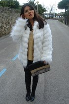 cream white Stradivarius coat - dark gray Sfera boots - gray Stradivarius bag