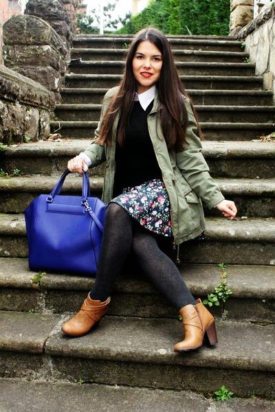 Lefties skirt - black Mango sweater - navy Zara bag - amethyst H&M blouse