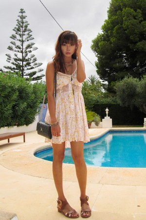 light yellow Shakuhachi dress - gray Marc Jacobs bag