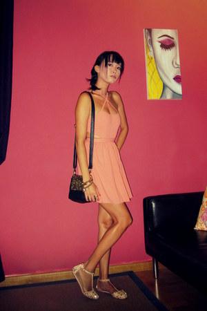 black Nasty Gal bag - salmon Lulus dress - neutral Zara sandals