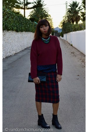 brick red Zara skirt - black vintage boots - brick red crop top Zara sweater