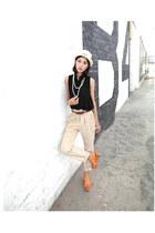 bronze Dolce Vita wedges - beige Forever 21 hat - black vintage blouse