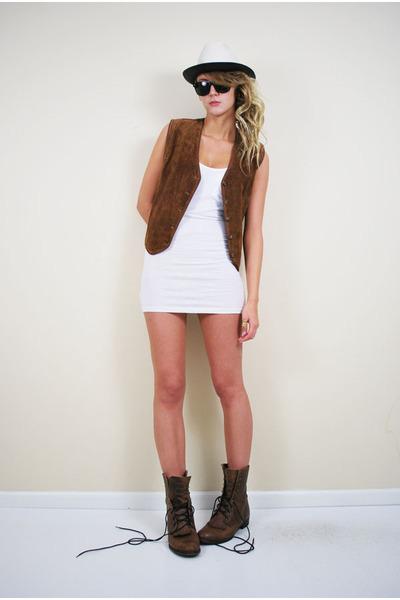hat - dress - vintage vest