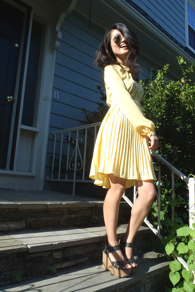 light yellow pleated Francescas Collection dress - light brown DSW wedges
