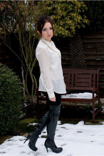 Black Topshop Boots, Black Cotton New Look Leggings, Ivory Silk ...