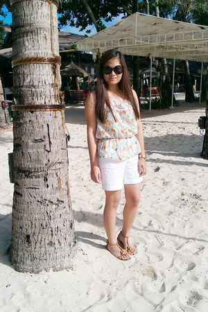 ivory Rivers top - white ann taylor shorts - black jelly bean sunglasses