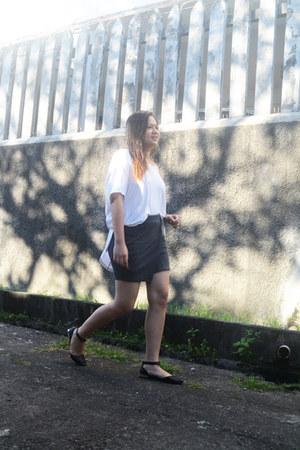 white Papers & Scissors shirt - gray cotton on skirt - black sm parisian flats
