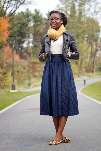 navy midi thrifted vintage skirt - black faux leather H&M jacket