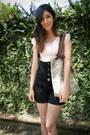 Light-pink-c-a-t-shirt-black-equus-shorts-beige-lupo-tights-ruby-red-julia