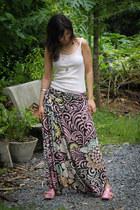 off white cotton Fram top - light pink saruel printed Dress to pants - pink meta
