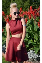 brick red burgundy DIY skirt - black round zeroUV sunglasses