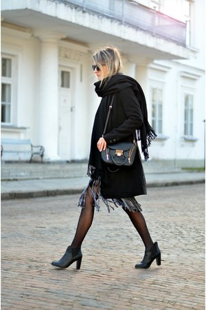black ankle boots elilupl boots - black black H&M coat - black black Mohito bag