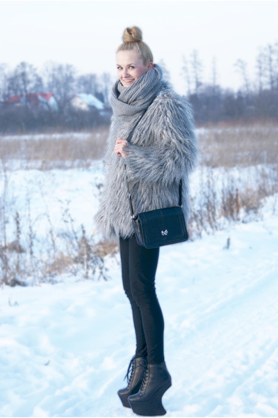 faux fur no name coat - heel less Boohoo boots