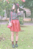 red leather skirts Chris  Novia skirt - black creepers shoes