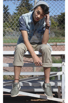 sky blue denim Levis vest - tan khaki J Crew pants