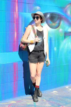 bubble gum vintage bag - black H&M shorts - white thrifted vintage vest