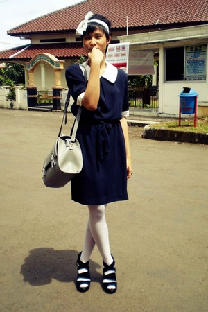 navy em dress - white stockings - black heels - heather gray bag