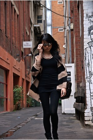 tan cape Topshop cardigan - black woven Zara leggings