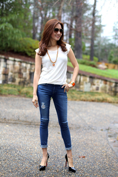 Hermes bracelet - AG jeans - t-shirt Marc by Marc Jacobs shirt