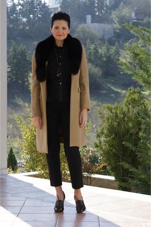 oxfords Dolce & Gabbana shoes - cashmere camel rococo coat - silk - ruffles roco