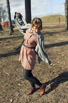 tawny vintage shoes - tawny modcloth dress - black CVS tights - heather gray boy