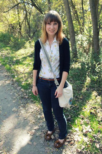 off white floral vintage blouse - blue Forever 21 jeans