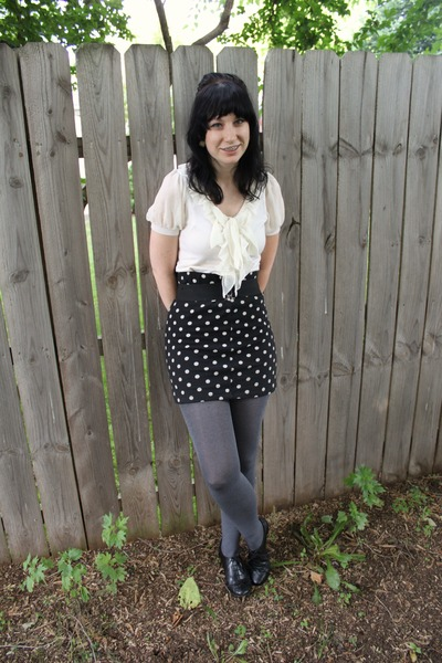 white Forever 21 shirt - gray Forever 21 skirt - gray payless tights - black pay