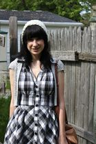 black plaid Forever 21 dress - beige handmade hat - brown thrifted bag