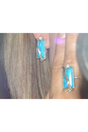 turquoise blue accessories
