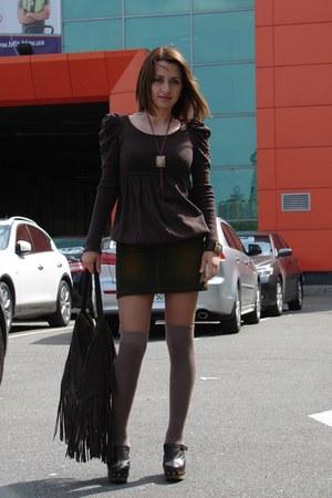 dark brown asos clogs - light brown asos socks - dark brown reserved gloves