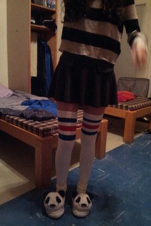 beige striped H&M sweater - gray skort 59 seconds shorts - white H&M clogs