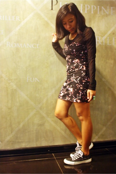 Black Floral Print Forever 21 Dresses Black Glitter Converse Shoes