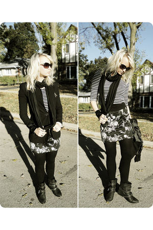 black blazer - gray shirt - black Zara boots - gray Zara skirt