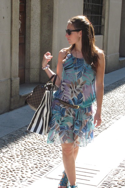 dark brown bag - turquoise blue Patrizia Pepe sandals