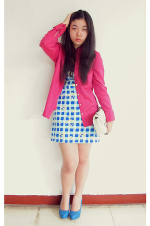 sky blue checkered Guess dress - hot pink shirt banana republic shirt