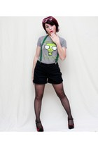 heather gray Mighty Fine t-shirt - black Old Navy shorts