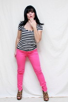 hot pink abercrombie and fitch pants - black White & Black Market shirt