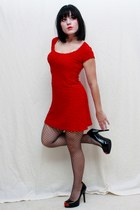 ruby red Vtg dress - black Mossimo heels