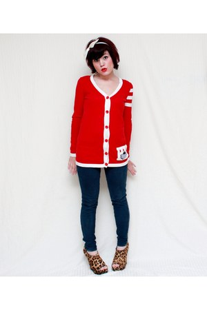 red Forever 21 cardigan - navy abercrombie & fitch leggings