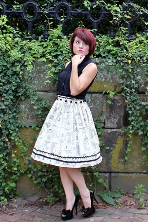 black espirit shirt - eggshell thrifted vintage skirt