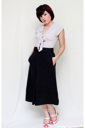 black vintage skirt - white liquid top - red Two Lips heels