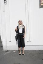 black Zara bag - black boxy agy nyc top - black lace up Zara flats