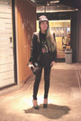 Black-beanie-knitted-dignity-hat-black-nefertiti-leggings-black-zara-blazer