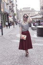 Charcoal-gray-cotton-h-m-t-shirt-maroon-cotton-chlorineclothe-skirt