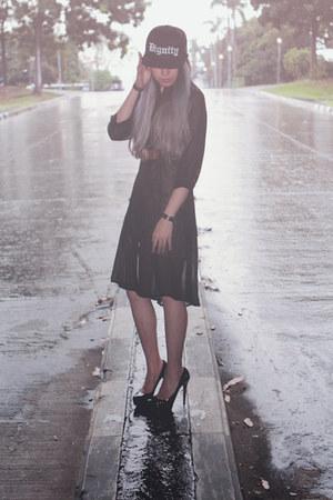 black snapback summer dignitycloth hat - mustard mini summer ShopNefertiti dress