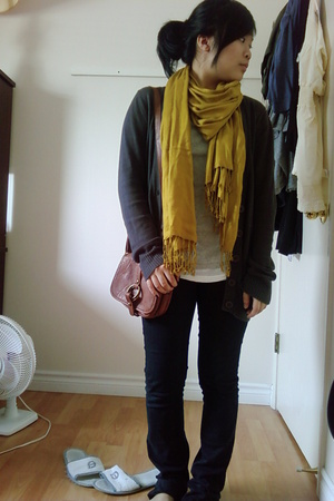 H&M scarf - AA Gap shirt - Sisley jeans - Zara Kids purse
